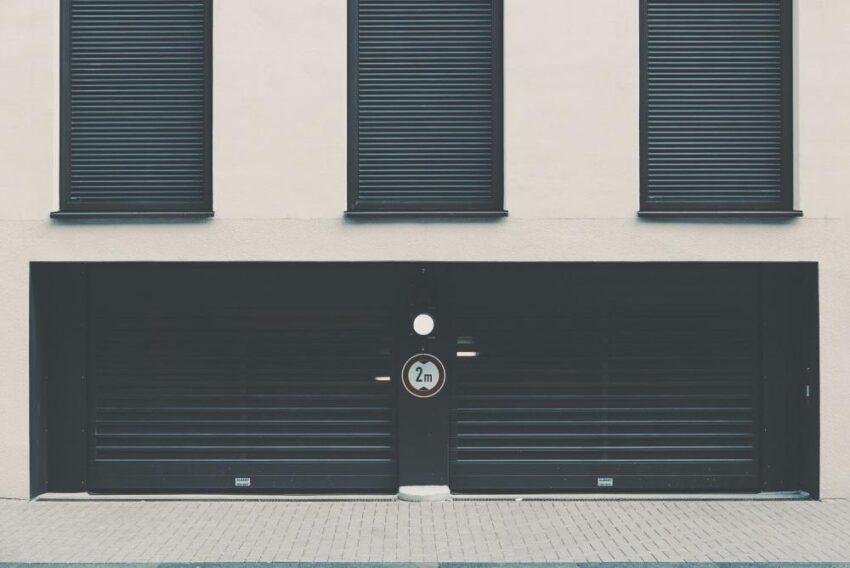 Brama garażowa na co zwrócić uwagę?